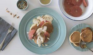 Pancakes con mascarpone y pomelo