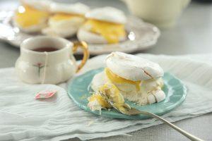 Nubes de merengue con crema de limón y mascarpone