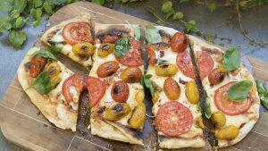Pizza de tomate a la parrilla