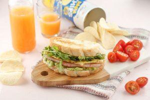 Súper sándwich con palta y huevo